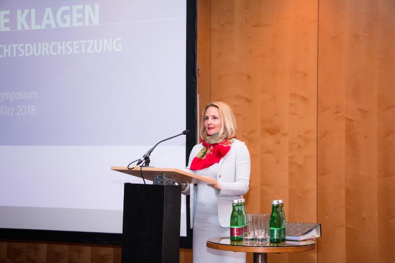 Dr. Anne Marie Kosesnik-Wehrle